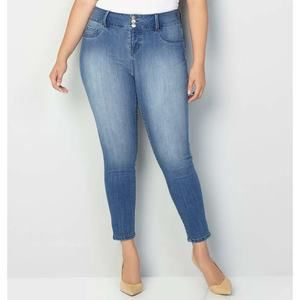 Torrid light wash skinny jeans ankle cut